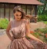 Платье миди с рисунком 3D - 6700 грн